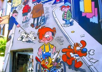 探访比利时蓝色博物馆:蓝教程是精灵的手漫画动漫画图片