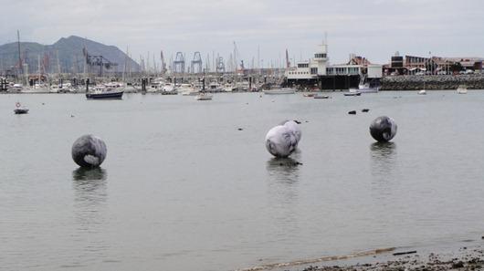 漂浮的老人头像-封存 日志测试页-中国网络电视台