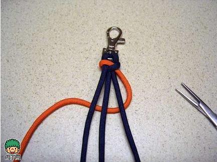 双色钥匙链编织方法 手工制作钥匙链
