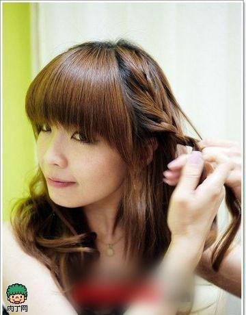 公主风编发教程,让你甜美又优雅,配上齐刘海,打造出萝莉般的可爱清新