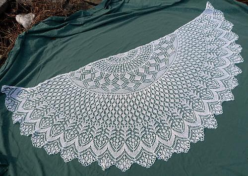 钩针编织漂亮扇形披肩图欣赏