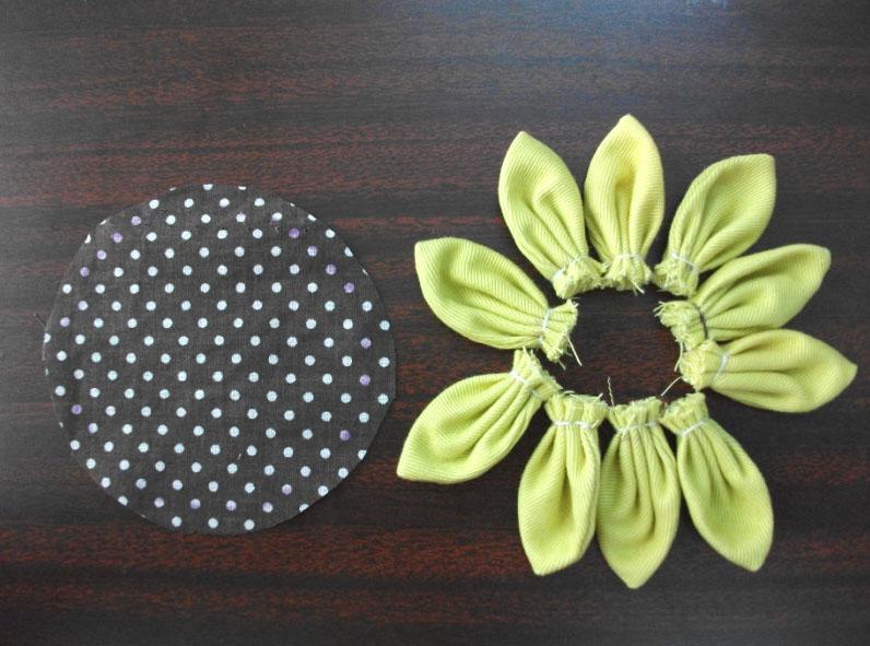 手工制作向日葵布艺装饰花图解-封存