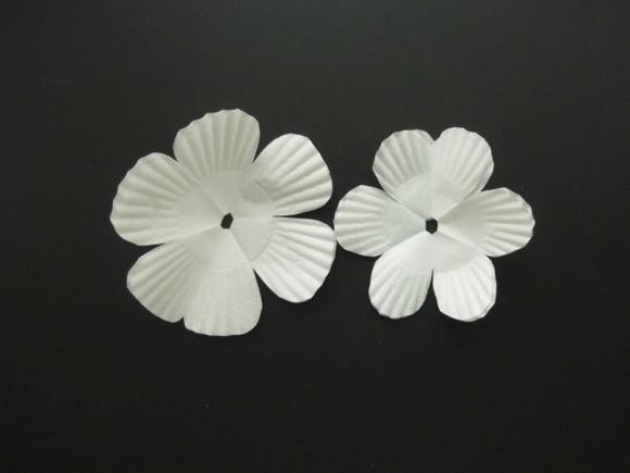 教你用蛋糕托diy海葵花纸花的制作方法-封存