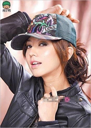今年流行什么发型 有型有色的DIY戴帽发型