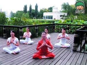 秋季润肺瑜伽教程:驱除浊气 深层呼吸
