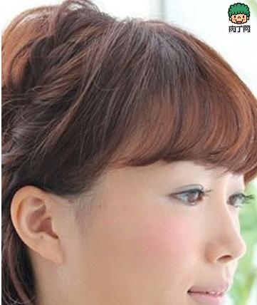 短发也显气质范儿 最新中短发发型扎法