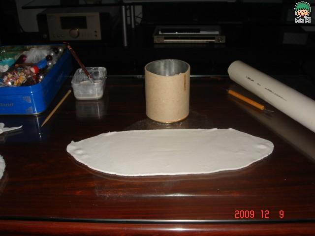 怎么用塑料瓶做笔筒 茶叶桶变创意笔桶